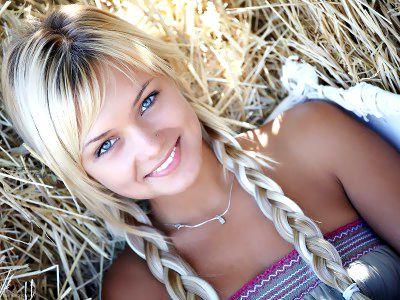 Секс с очень красивой девушкой у которой синие волосы