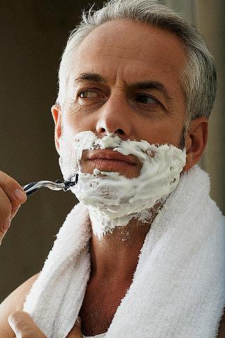 Если бриться против роста волос